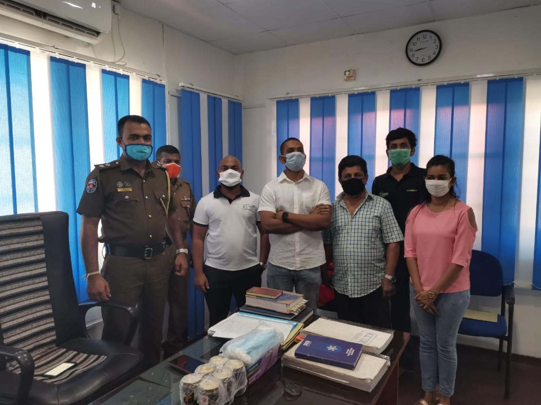Distribution of free face masks to the frontline heroes of Moratuwa & Piliyandala